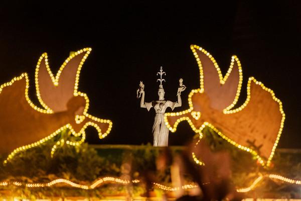 Konstanz-Weihnachtsmarkt-Imperia-Weihnachtsbeleuchtung-03_Winter_Copyright_MTK-Dagmar-Schwelle