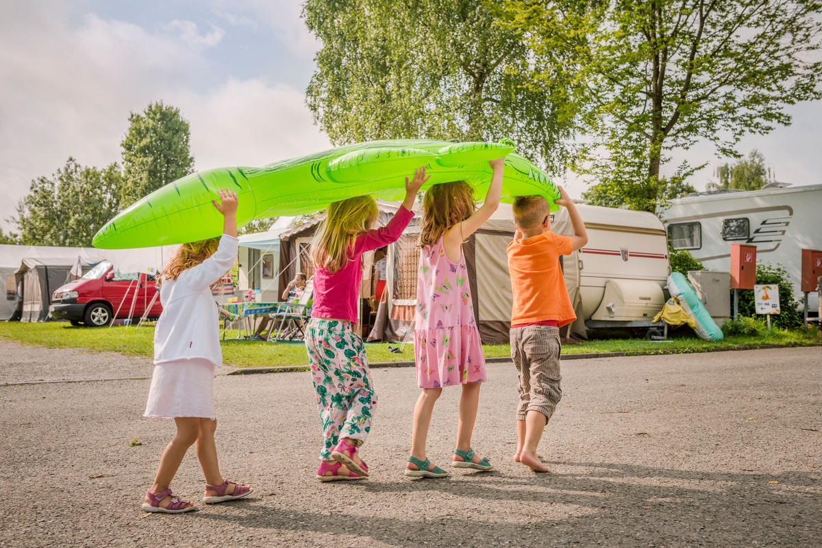 Konstanz-Campingplatz-Klausenhorn-Bodensee-Kinder-02_Herbst_Copyright_MTK-Dagmar-Schwelle