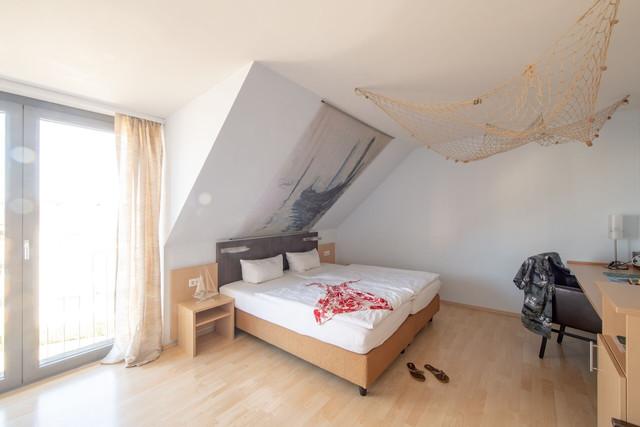 Konstanz-Hotel-KoOno-Zimmer-Bett-10_Copyright_MTK-Chris-Danneffel