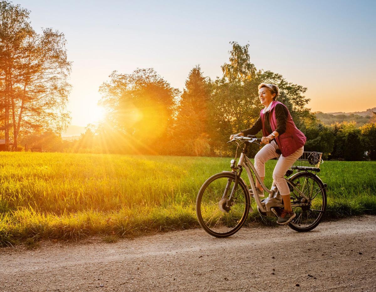 Konstanz-Ausflug-Radtour-Vororte-Natur-Sonnenuntergang-02_Herbst_Copyright_MTK-Dagmar-Schwelle
